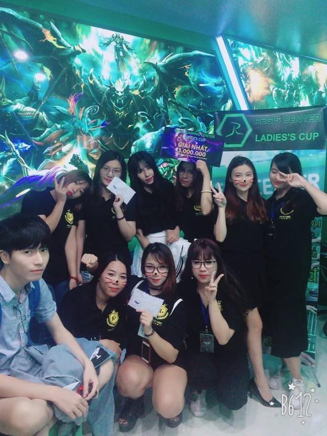 Lộ diện đội ngũ 12 thành viên rank Cao Thủ của team nữ xinh đẹp